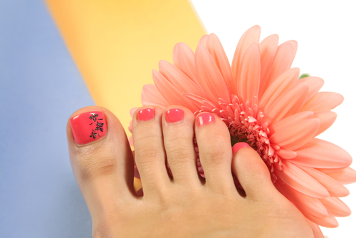 Beautiful-legs-with-perfect-spa-pedicure1