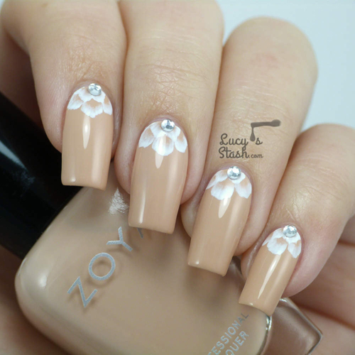 Half-Moon-Wedding-Manicure8