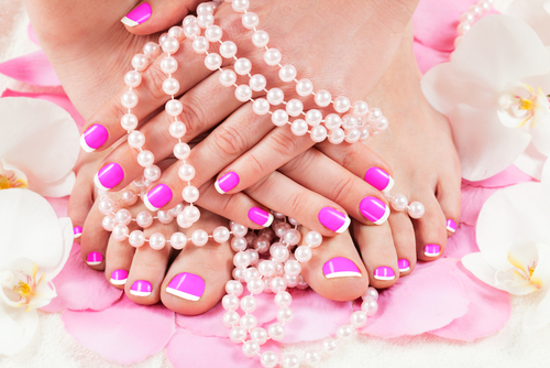 beautiful-manicure-and-pedicure2