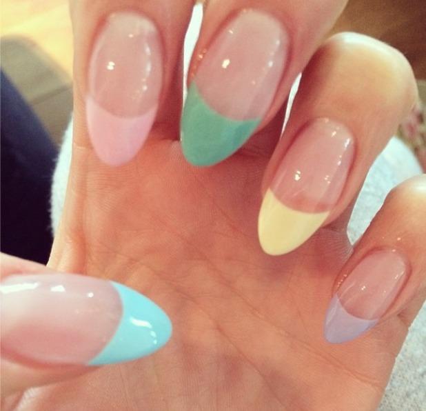 jessie-j-pastel-nails