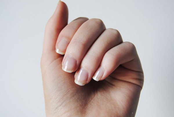 natural-looking-nails (Copy)