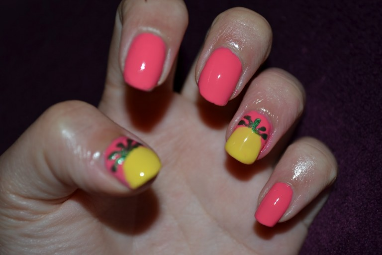 pineapple nails 028