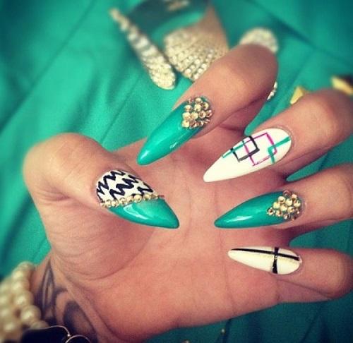 stiletto-aqua-nails