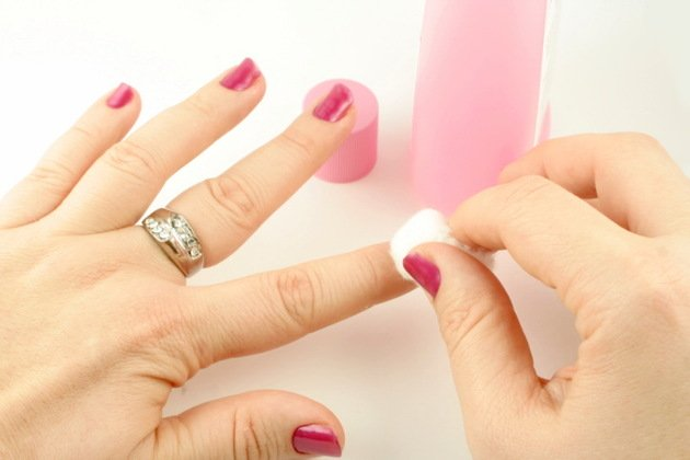 xembedded_Nail_Polish_Remover.jpg.pagespeed.ic.P4wpzPHksk