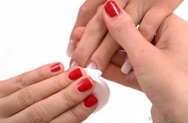 red-nail-polish-on-hands (Copy)