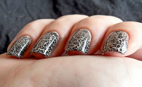 Crackle-Nail-Polish (Copy)