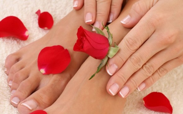 Easy-Tips-To-Take-Care-Of-Your-Hands-And-Feet-590x368