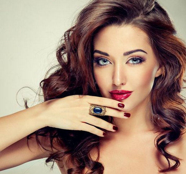 Glamour-red-nail-art (Copy)