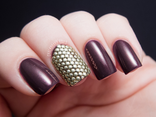 Gold-Studs-Accent-Nails1