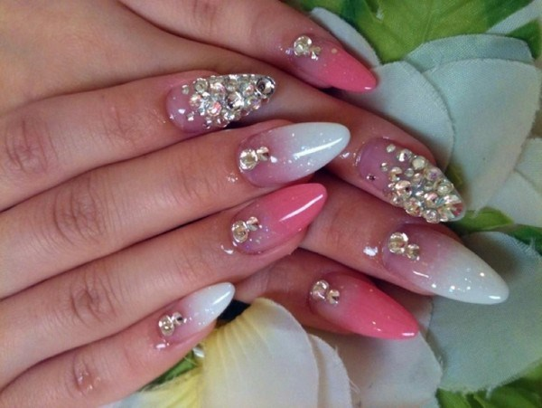 How-To-Do-Cool-Nails-Designs-With-Nail-Polish (Copy)