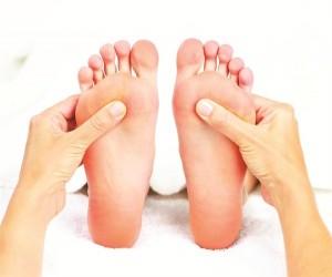 Chăm sóc móng và điều trị các bệnh về móng chân với thảo dược
