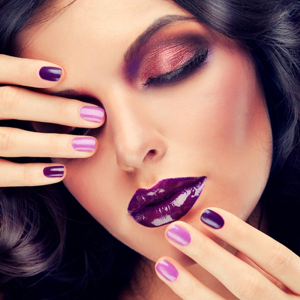 Model-with-purple-makeup-and-curled-hair (Copy)