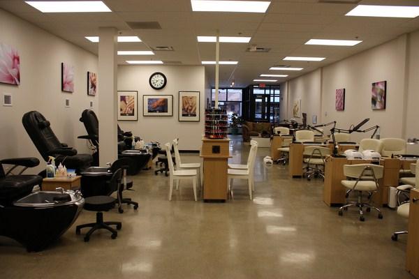 Modern-Nail-salon-photos2 (Copy)