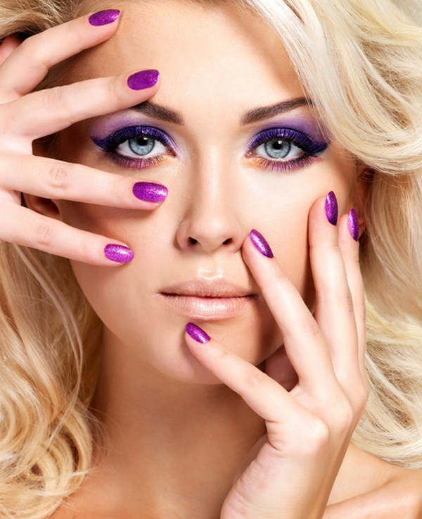 Purple-manicure-and-makeup (Copy)