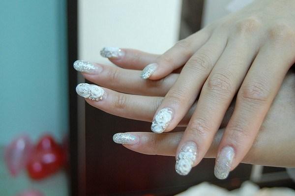 acrylic-nail-damage-treatment (Copy)