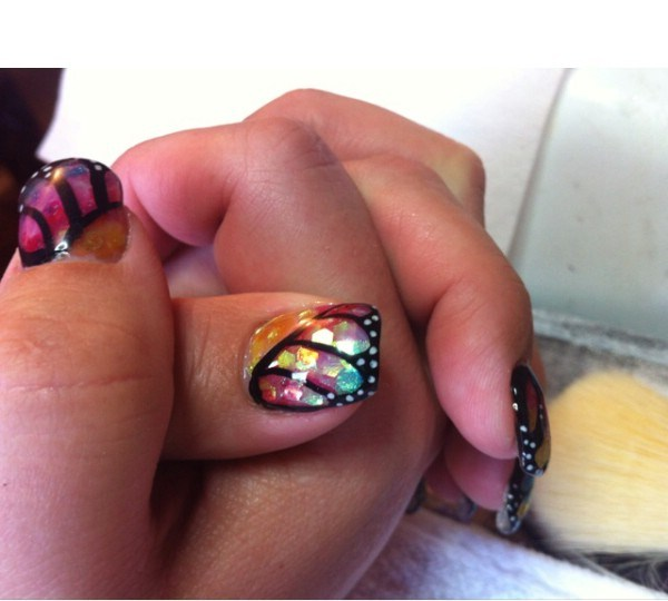 butterfly-gel-nail-design (Copy)