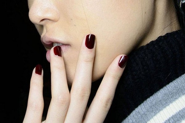 embedded_dark_red_nail_color_fall_2014 (Copy)