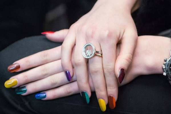 embedded_multi_color_nails_fall_2014 (Copy)