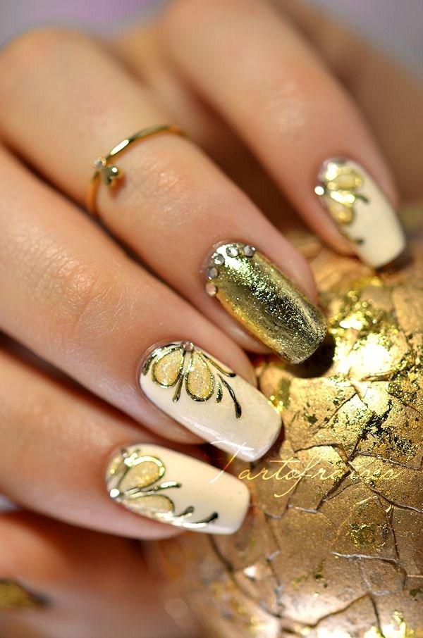 gold-foil-nail-art (Copy)
