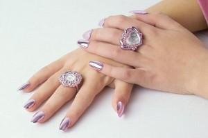 Chăm sóc móng tay sau acrylic