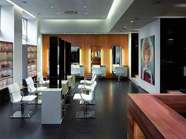 interesting-salon-interior-design-ideas-with-large-foto-model-on-wall-styling-chairs-mirror-wooden-wall-for-nail-salon-interior-design-ideas-and-beauty-salon-design-ideas (Copy)