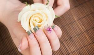 Tình yêu với các mẫu móng hoa xinh yêu