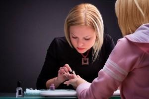 Nail ở Mỹ: Trở thành một thợ Nail lành nghề