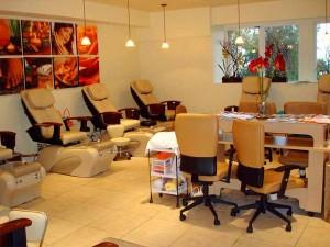 Ý Tưởng Salon Nail Hiện Đại với Kiến Trúc Riêng Biệt