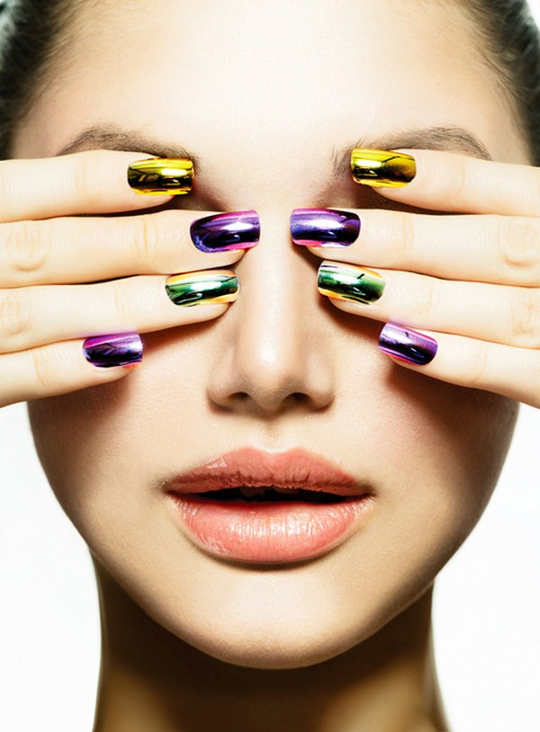 Fashion-Beauty.-Manicure-and-Make-up.-Nail-art.-Beautiful-Woman-With-Colorful-Nails-and-Luxury-Makeup. (Copy)