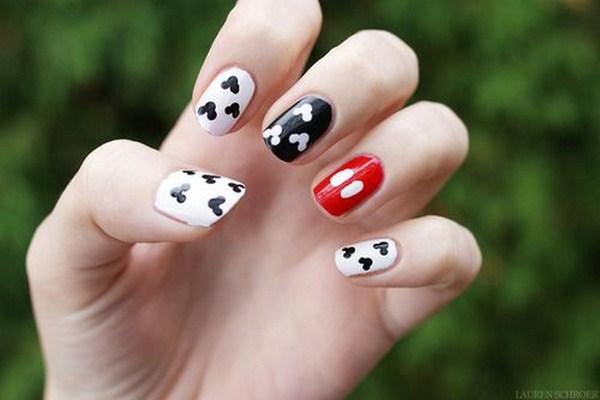 Mickey-mouse-diy-nail-designs (Copy)