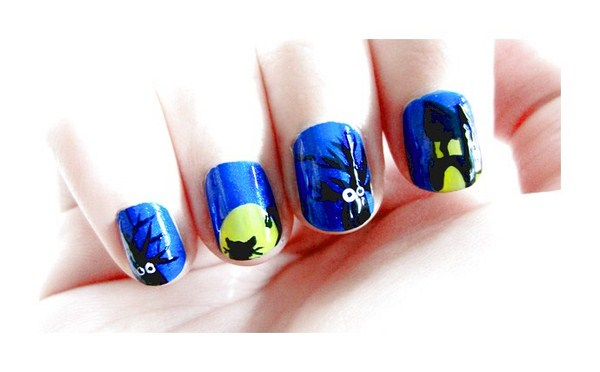 chic-blue-hallowen-nail-art (Copy)
