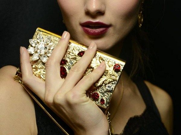embedded_dolce_and_gabbana_spring_2015_nail_trends (Copy)
