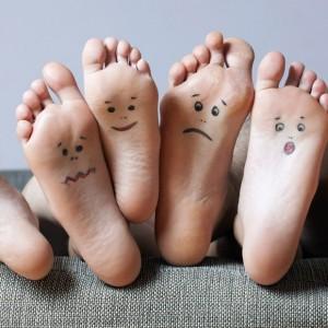 Chăm sóc móng chân và bàn chân tốt để trị mùi hôi chân