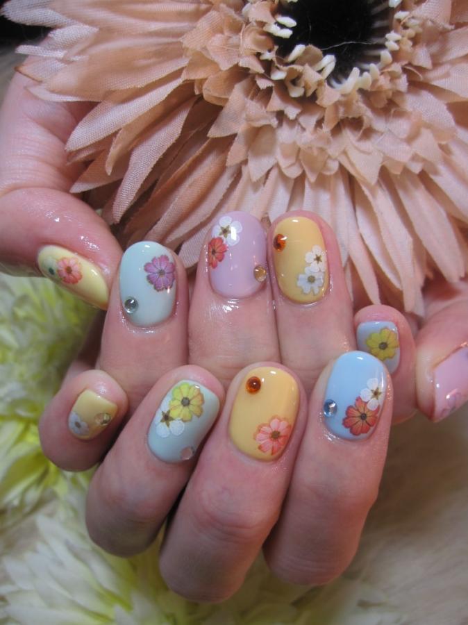 floral_nail_design