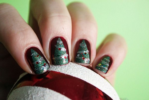 3.Christmas-tree-nail-art (Copy)