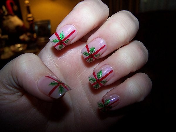 7.Christmas-gift-nail-art (Copy)