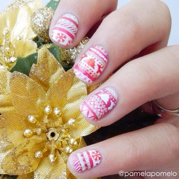 Christmas-Sweater-Nail-Art-by-@pamelapomelo (Copy)