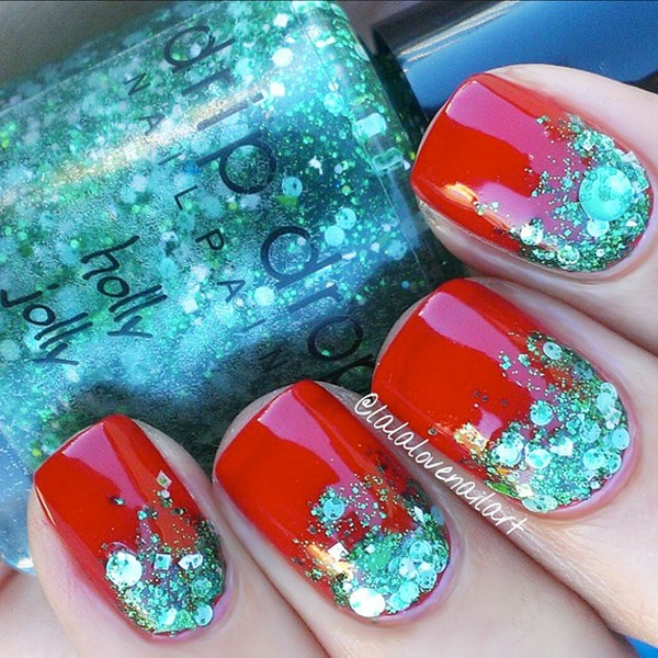 Glitter-Gradient-Christmas-Nails-by-@Lalalovenailart (Copy)