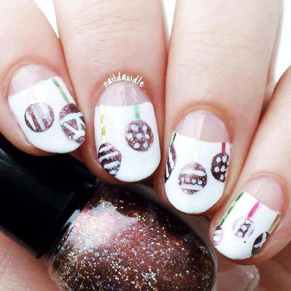 Ornament-nails-by-@Naildawdle (Copy)