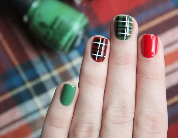 Plaid-nail-art (Copy)