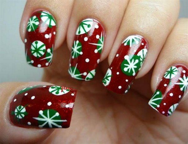 Retro-Snowflake-Nail-Art (Copy)