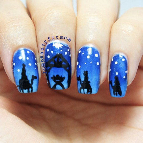 Silent-Night-Christmas-nail-art-by-@BeautyFit-Mum (Copy)