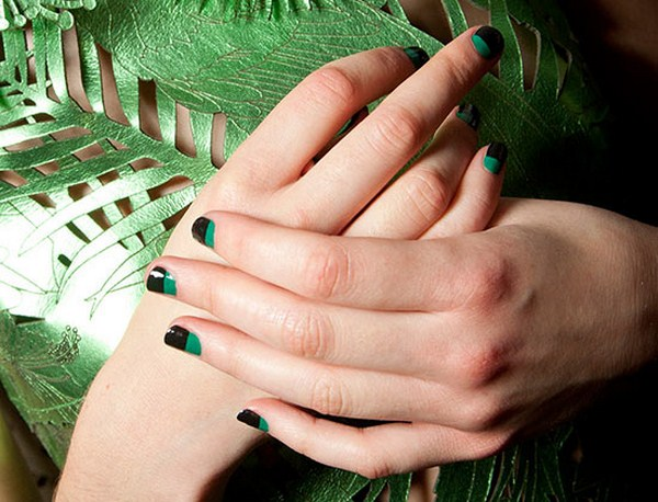 black-green-nails-giles-spring-2015 (Copy)