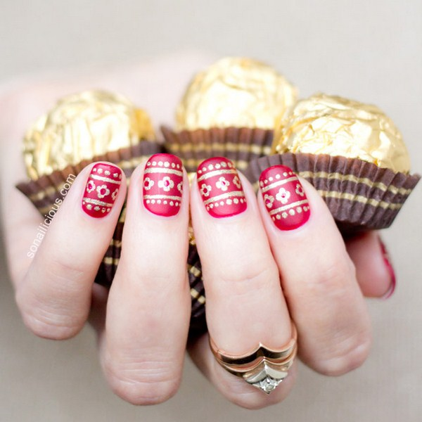 red-and-gold-christmas-nails-1 (Copy)
