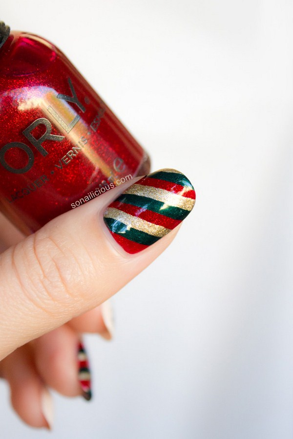 red-and-green-christmas-nail-art-tutorial (Copy)