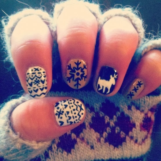 ugly sweater nails5