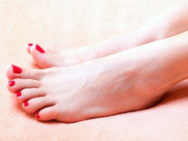 15-clean-toenails-150512 (Copy)