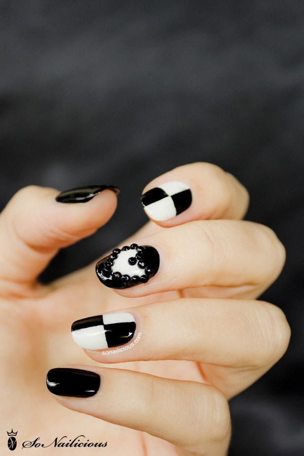 3D-nail-art-in-black-and-white (Copy)