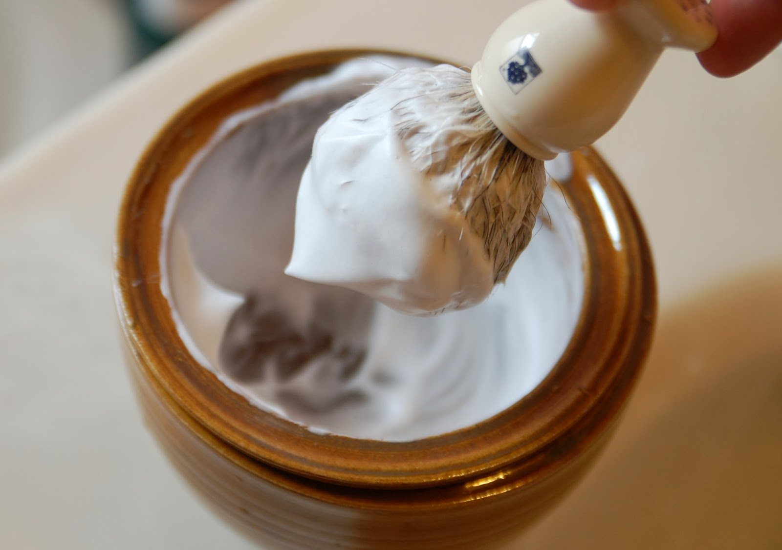 670px-Paint-Marbled-Paper-Using-Shaving-Cream-Step-1