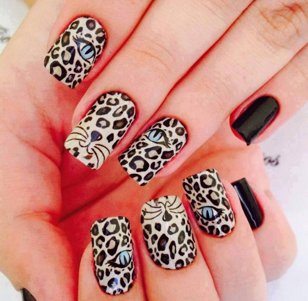 Latest-unique-women-Nail-Art-designs-in-bright-colours-for-functions-and-parties-2015-10 (Copy)